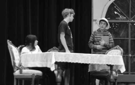 "Come race to watch the ""Old Lace"": Drama department to put on the first play of the year"