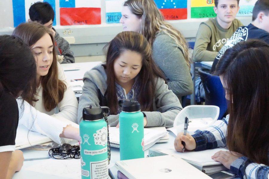 Junior+students+study+in+Maria+Meunier%27s+advisory+class+on+Friday+Morning.